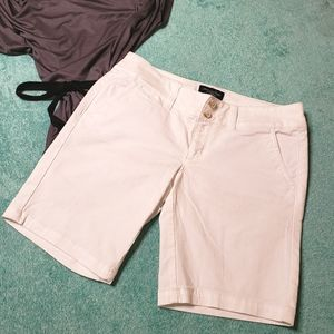 American Eagle Stretch bermuda short Size 4